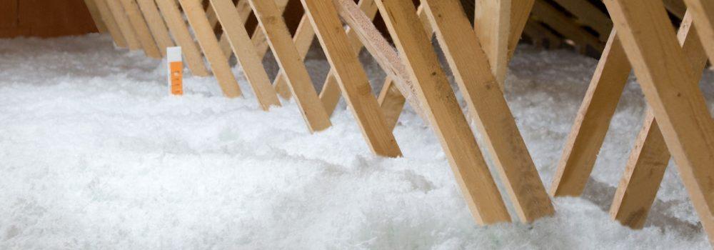 laine de verre soufflée dans les combles par Isodéal